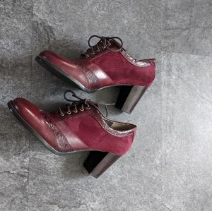 Naturalizer Victorian style burgundy block lace up heels